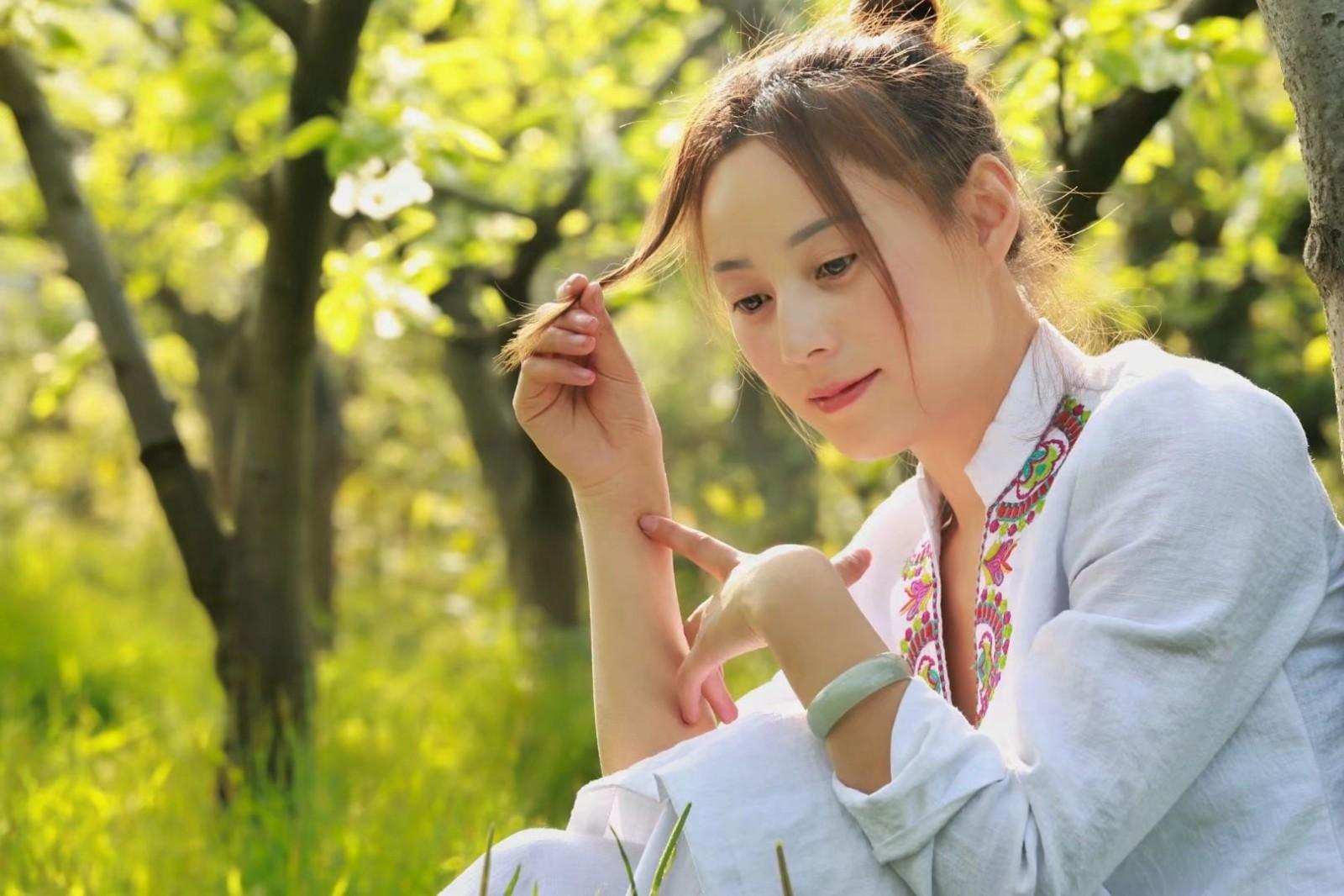 美背瑜伽体式大全,坚持瑜伽动作练出少女感