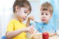 一岁宝宝喝配方奶和牛奶哪个好「发育」这样做对宝宝的发育更有利(牛奶)