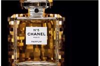 香奈儿五号香水获得FIFI奖最佳包装『香水』它凭什么经久不衰≤包装≥