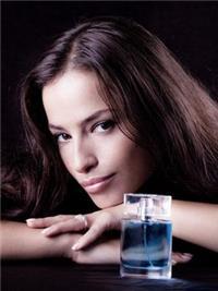 香水使用需要分场合≤淡香≥淡香浓香要适宜≦香水≧