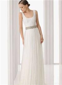 胸口瘦小的新娘婚纱选择