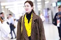 江疏影刘雯都喜欢穿黑色打底衫,卷起娱乐圈时尚狂潮的单品