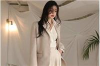 西装外套女生怎么搭配,优雅西装的潮流穿搭法则