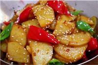 土豆家常菜怎么做好吃,土豆的五种美味做法香咸可口