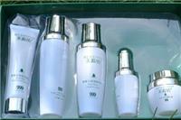 保湿爽肤水的用法是什么  女人在家如何自制保湿爽肤水