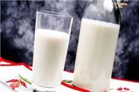 夏天喝牛奶会上火吗 喝牛奶的三个好处