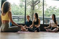 坚持练习瑜伽有什么好处 女人练瑜伽需要注意什么